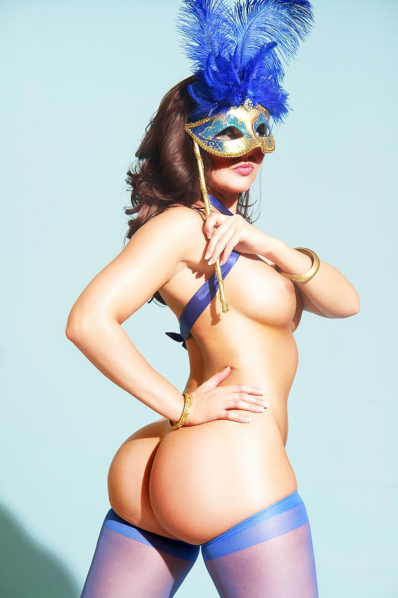 stephy-c-mask-rhophotos-5
