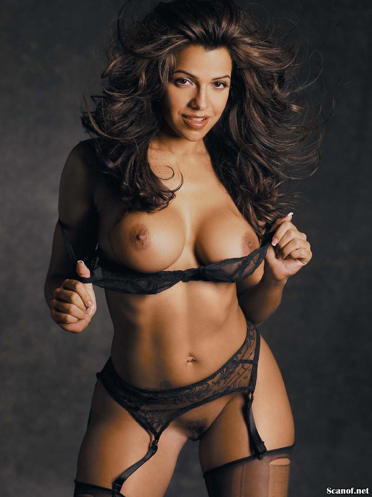 Vida Guerra in Playboy Magazine - Presents