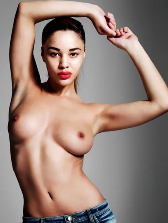 courtnie-quinlan-topless-in-id-magazine-spring-2013-08