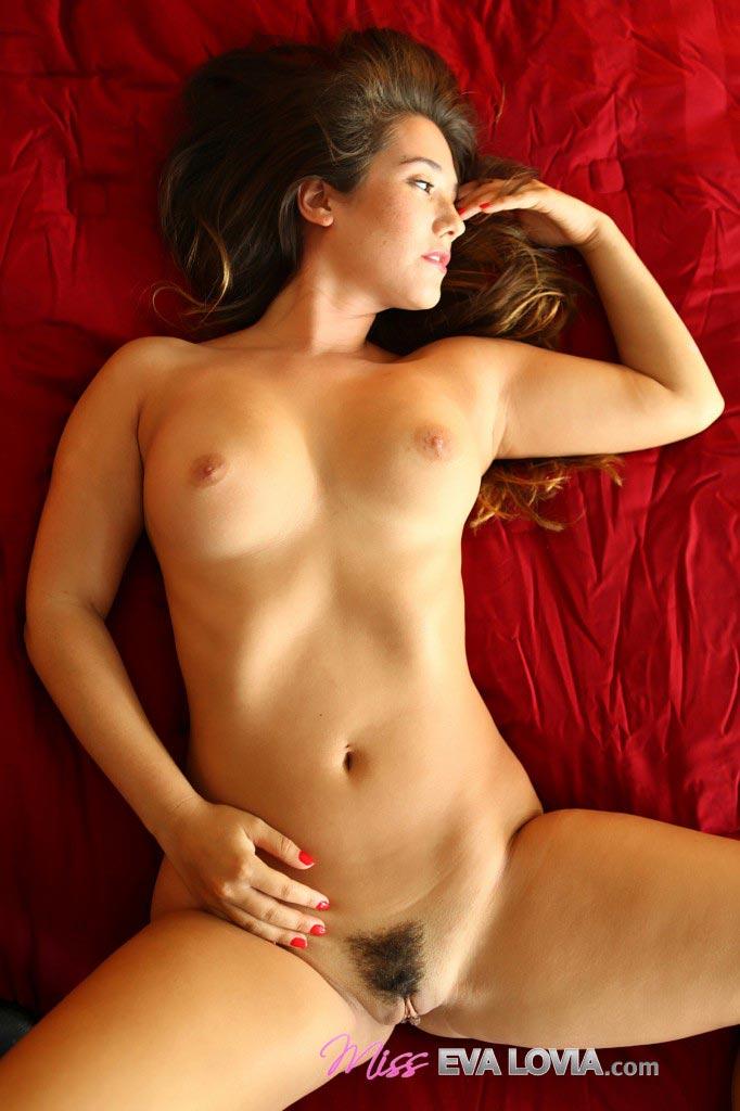 Ева ловиа голая фото