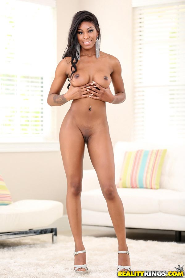 Sexy ebony nadia jay gets pounded